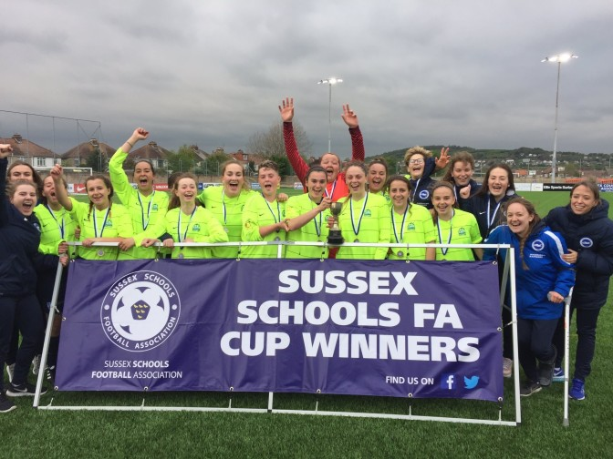 WORTHING COLLEGE WOMEN'S FOOTBALL – SUSSEX CUP WINNERS